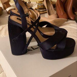 Zara size 9 navy blue chunky block heels!